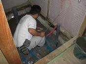 トイレリフォーム防湿コンクリート打設